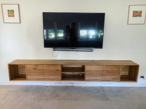 Floating TV unit 3